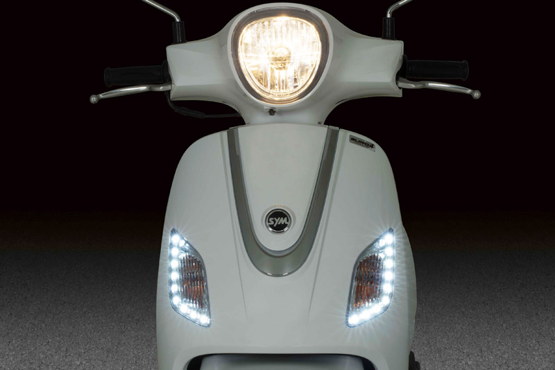 Fiddle-III-HeadLight_LED-Position-LightFFFF.jpg